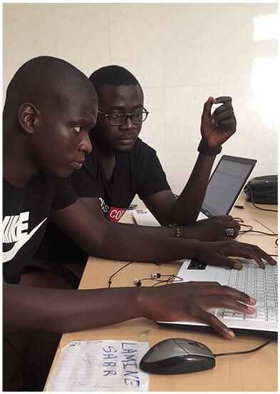 Des apprenants de Dakar